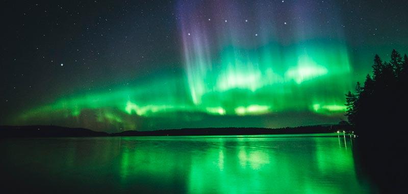 Ver la Aurora Boreal desde la Cama de un Hotel de Hielo