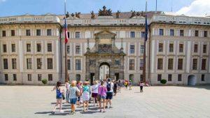 Todo lo que necesitas saber antes de hacer un tour en el Castillo de Praga