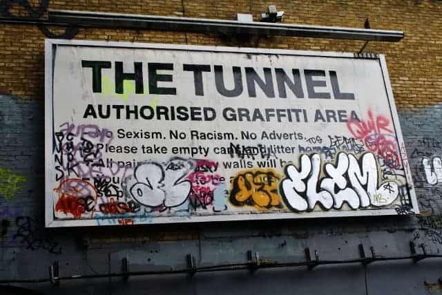 La estación escondida de Waterloo Street Art Tunnel