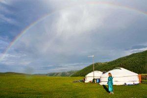 Visitar un Ger mongol en Mongolia te permite conocer una cultura nómada única en el país menos densamente poblado de la tierra.
