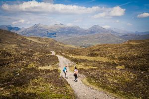 Caminando por el camino de West Highland