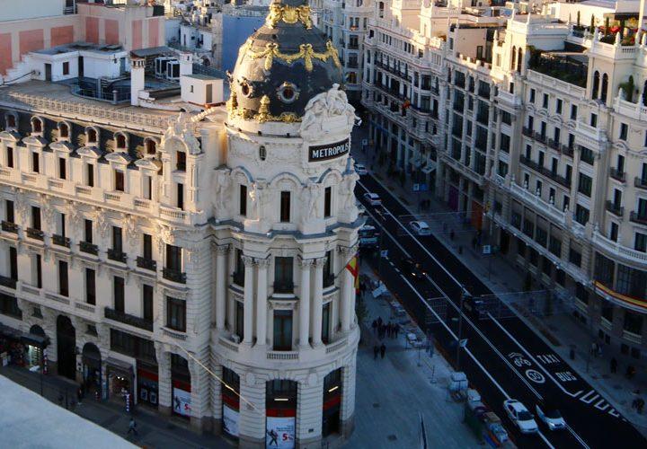 Comienza tus vacaciones en España explorando Madrid