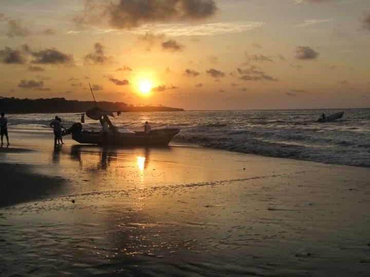 Playa Langosta Costa Rica al atardecer