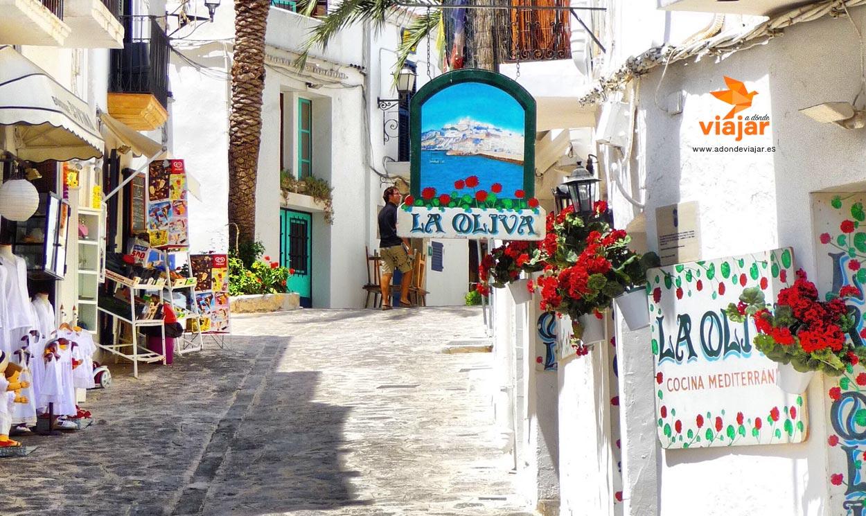 Consejos para visitar Ibiza en coche de alquiler