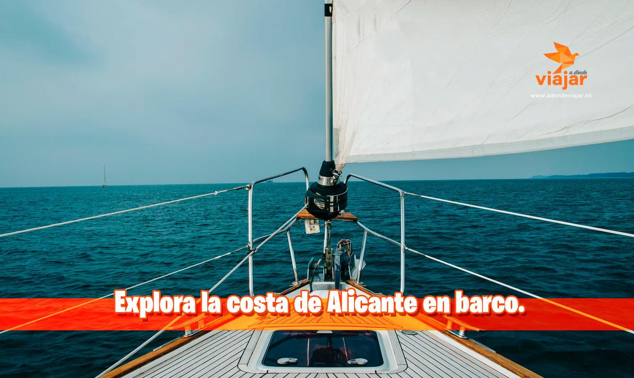 Explora la costa de Alicante en barco